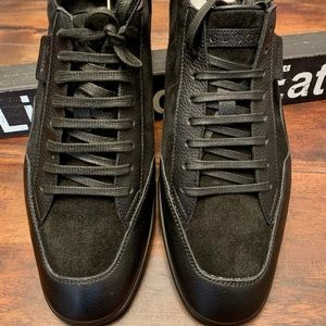 Gucci lace up suede leather sneakers 9.5 US
